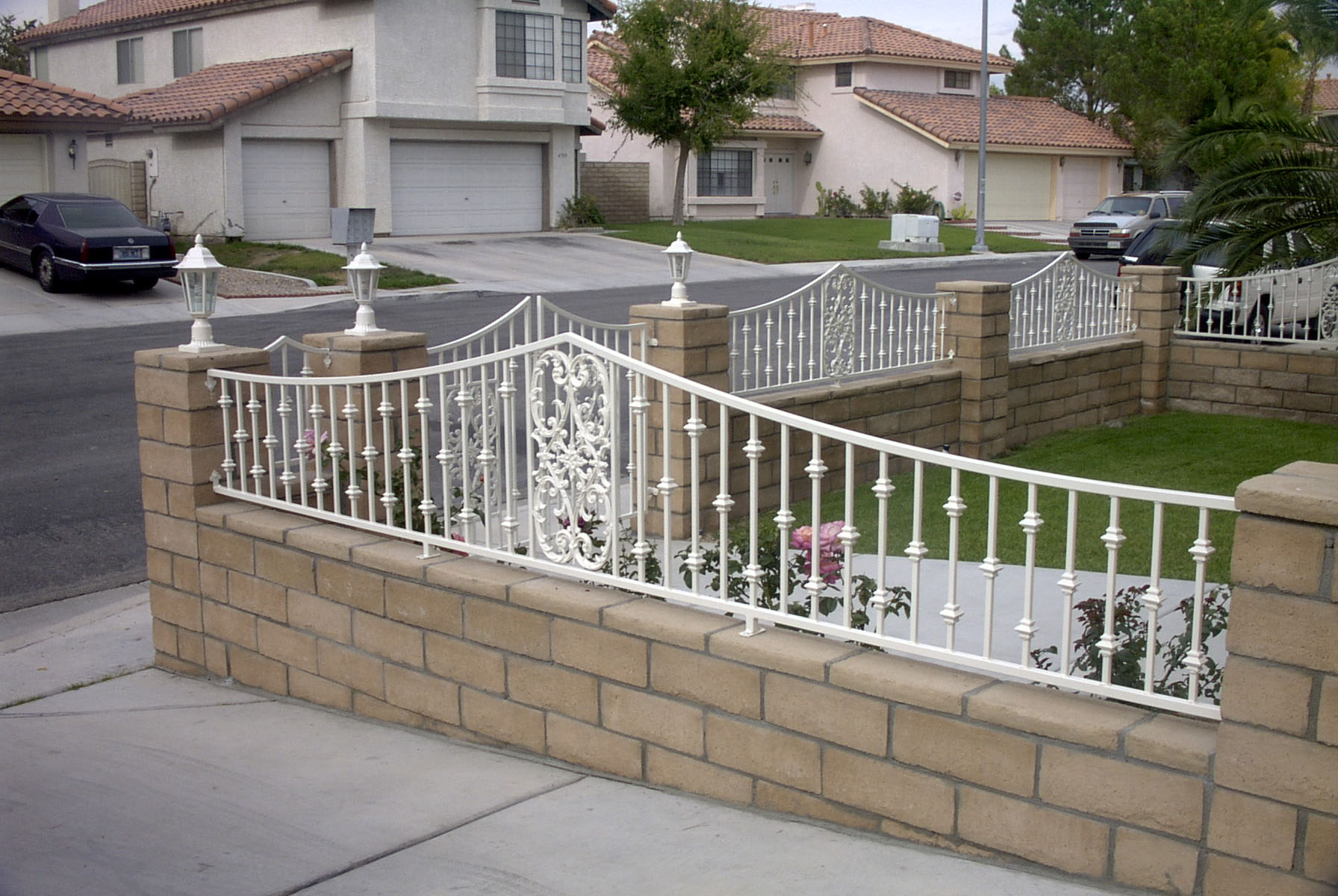 Lifestyle Fences - DIY Fences - Trellis Gates - Archways